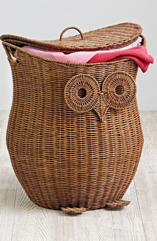 When it comes to designing exclusive, handmade owl hampers, we care deeply. This one even features a removable lid, and it even comes with a removable liner.