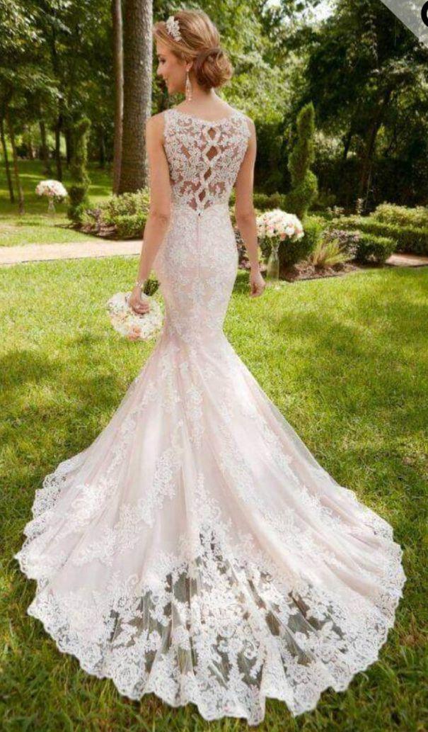 Brand New Stella York Style 2097 Wedding Dress for sale on www.sellmyweddingdress.co.uk Size 14-16. £1200  http://www.sellmyweddingdress.co.uk/listing/brand-new-stella-york-wedding-dress/2097  #stellayorkweddingdress