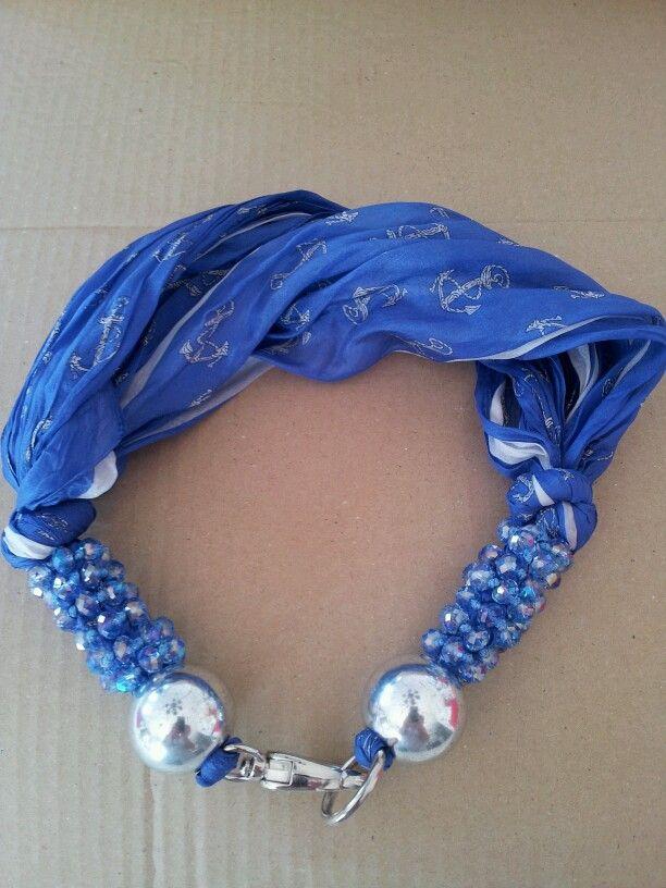 collana con foulard di seta