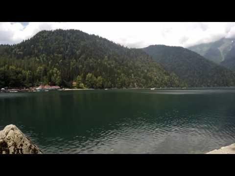 Timelapse Озеро Рица в Абхазии (с приближением)