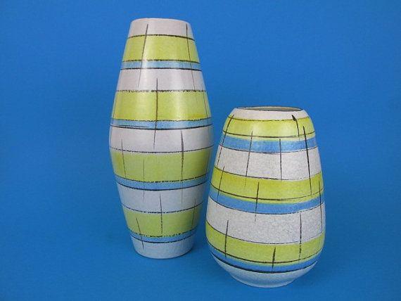 Set aus zwei Mid Century Vasen/60er Jahre/Set by ShabbRockRepublic