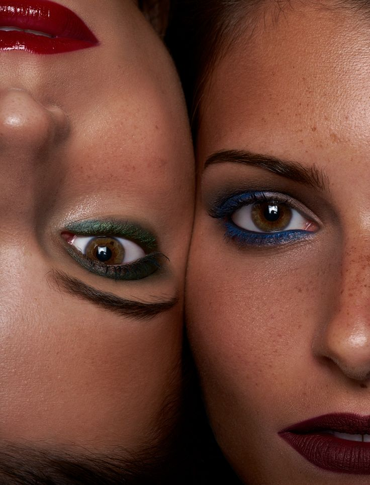 TOGETHER & WITH Eyeshadow Palettes - discover more on www.wemakeup.it/#together