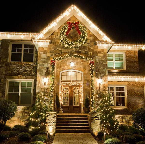 Simple christmas light ideas outdoor decor 18 photos of for Easy front porch christmas decorations