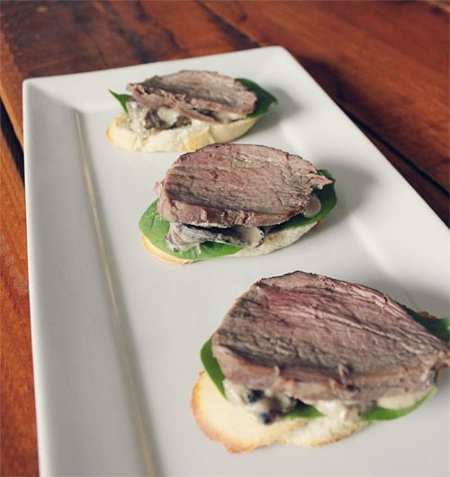 beef tenderloin mushroom sauce crostini blue cheese mushrooms sauces ...