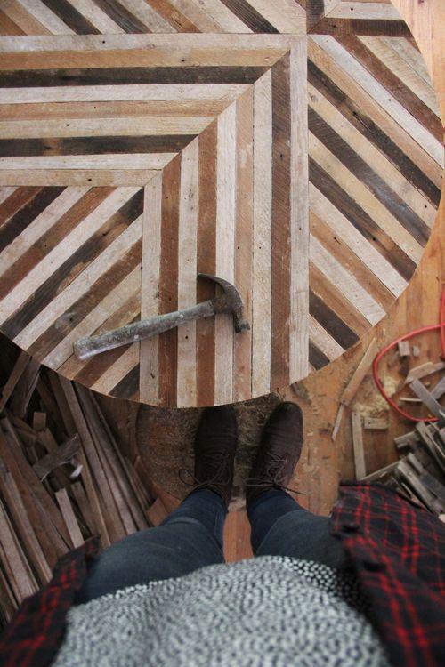 trabalho lindo em zigzag de madeira