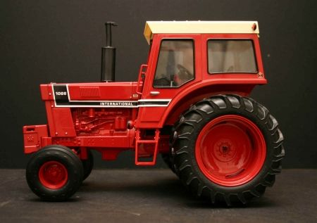 1066 International Tractor | Toy Tractor Times Anniversary Tractors