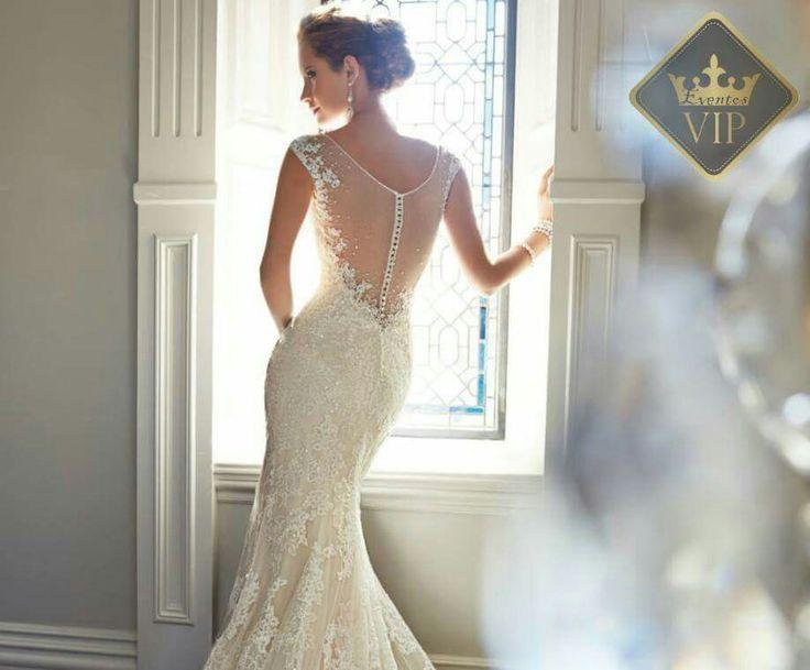 Ref. Yvette Solicita tu catálogo en boutique@vipeventoscolombia.com   4726280 - 3007396326