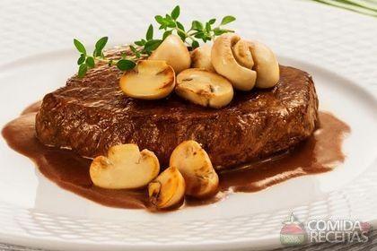 Receita de Patinho ao molho madeira e cogumelo em receitas de carnes, veja essa e outras receitas aqui!                                                                                                                                                     Mais