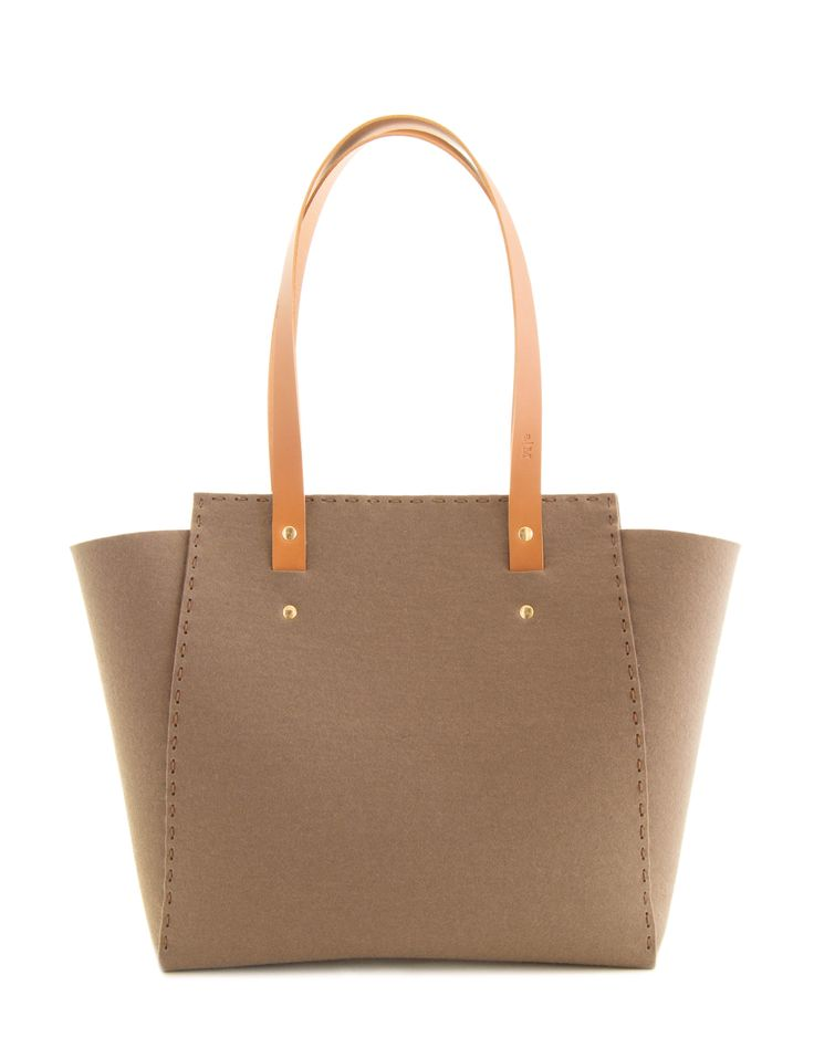 Taupe wool felt tote bag, extralarge bag made in Italy by anonimaMente design #womensbag #felttote #woolfelt