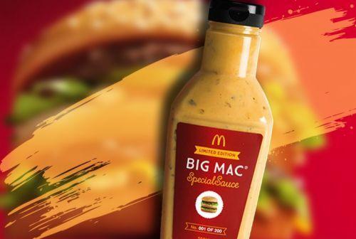 Recette originale de sauce à Big Mac ___________________________ Ingrédients : 1/2 tasse (125 ml) de vrai mayonnaise (pas de sauce à salade) (recette de mayonnaise maison) 4 cuillère à thé de moutarde jaune régulière 4 cuillère à thé de relish 1 cuillère à thé de poudre d'ail 1 cuillère à thé de poudre d'oignon 1 cuillère à thé de paprika