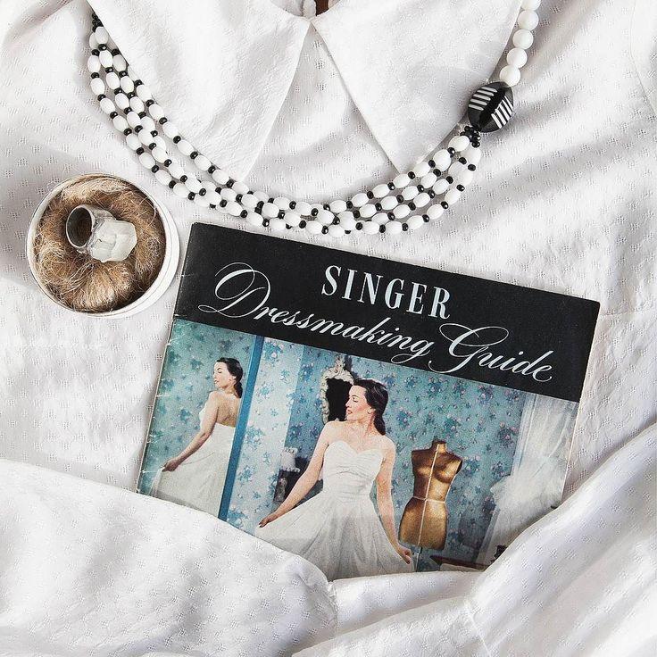 Сохраняйте в душе то чувство нового волшебного и праздничного которое сопутствовало вам в самые светлые моменты девушки!  Тогда каждый день будет наполнен красотой и счастьем   #gardbe #гардероб #одеждапоподписке #свадебноеплатье #wedding #bride
