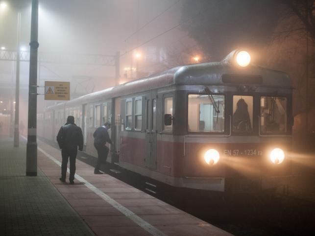 Pociąg na dworcu w Poznaniu