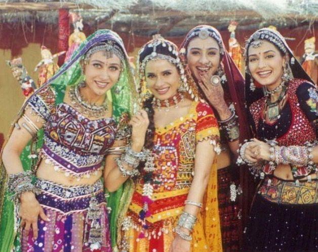 Actresses in Hum Saath Saath Hain #Tabu, #SonaliBendre #KarismaKapoor #Neelam