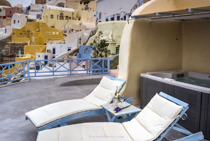 Jacuzzi - Kastro Oia Houses and Restaurant in Santorini island Greece. Photo taken by Dimitris Evangelopoulos @dimevaggelo  Check out this amazing Hotel > http://www.dreamingreece.com/santorini/kastro-oia-houses-restaurant-hotels-in-greece  #dreamingreece #oia #santorini #greece #travel #travelguide #vacation #holidays #destination #beaches #greekbeaches #photography #greekislands #greekhotels #jacuzzi