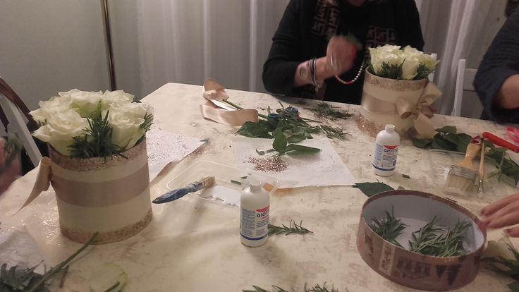 Centrotavola  rose e rosmarino, corso tavole invernali