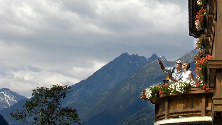 Urlaub in Neustift im Stubaital: Naturhotel in Tirol, Wandern im Sommer und Skifahren im Winter bei Innsbruck