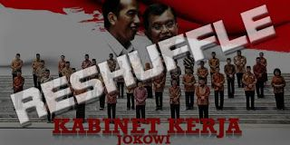 "Isu Reshuffle dan Pengkhianatan Jokowi Kepada KIH  Isu perombakan kabinet (reshuffle) kembali menyeruak ke permukaan. Jokowi diperkirakan akan melakukan reshuffle kabinet semakin kuat setelah Partai Golkar resmi bergabung dengan koalisi pemerintah. Pengamat politik Emrus Sihombing menyarankan Jokowi tetap merangkul parpol yang sejak kampanye menjalin koalisi. Pasalnya menurut dia parpol yang tergabung dalam Koalisi Indonesia Hebat (KIH) itu minim kepentingan pragmatis. ""Jokowi lebih baik…"