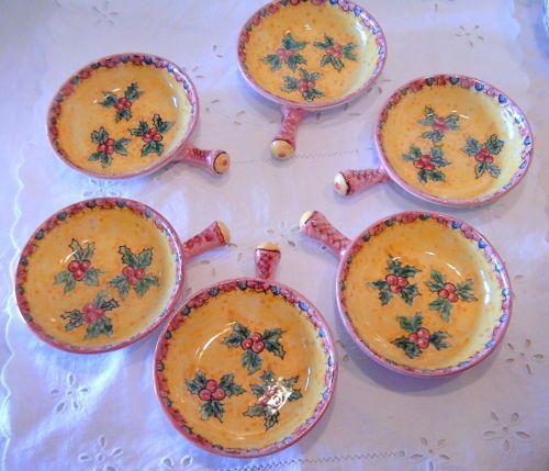 """Set di 6 tegamini / Antipastiera in ceramica decorata a mano.Decoro """"Agrifoglio"""""""