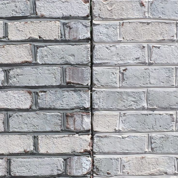 Your mortar selection can drastically change the look of your house. On the left is Chesapeake Pearl with Gray Mortar. On the right is Chesapeake Pearl with White Mortar. The white mortar really lightens up the entire wall to make it look closer to whitewashed brick.