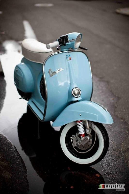 vespa. Classic Moped. Art&Design @classic_car_art #ClassicCarArtDesign
