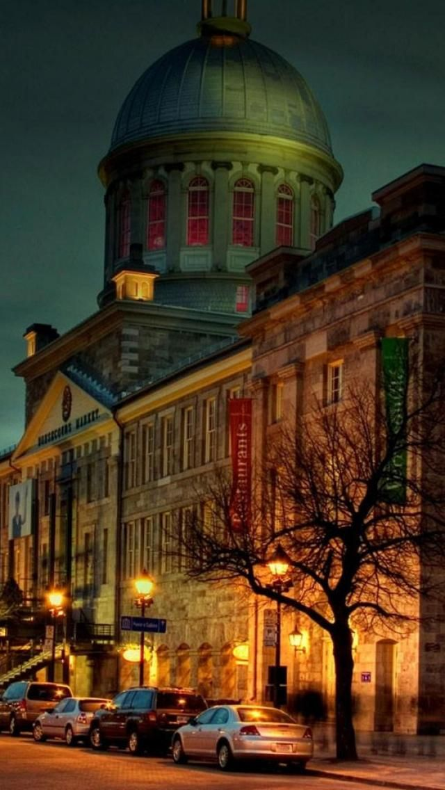 Atmospheric Old #Montreal and Marché Bonsecours after nightfall.