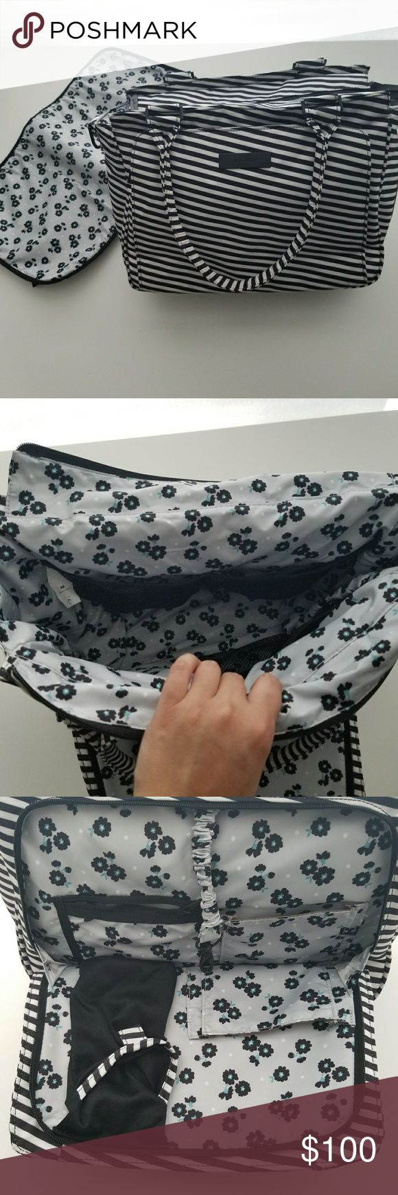 Jujube Be Classy Black Magic Excellent condition, used it twice, ended up going with a smaller bag. I keep it in a tote smoke, dust, pet free. Comes with changing pad. Zippers work, no loose threads or tears. jujube Bags