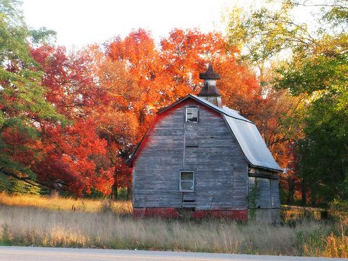Wallpaper Fall Farmhouse Little Old Red Barn With Fall Colors Landscapes And