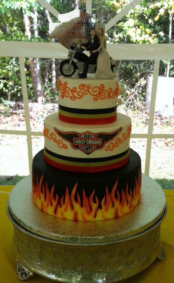 motorbike themed wedding cakes buttercream icing with fondant accents harley davidson 17596