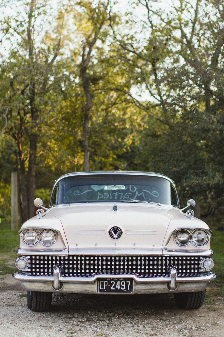 old fashioned cars make for great pictures | Wedding photography ...