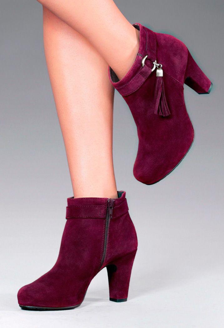 La tonalidad burdeos es tendencia esta temporada. Descubre más modelos en www.gadeawellness.com