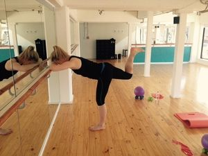 Glutes at the Barre - bent knee http://www.barrenz.co.nz/barre-project/