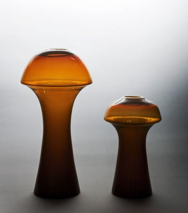 """Zbigniew Horbowy, """"Fungi"""" vases, produced by the Barbara Artistic Glass Works in Polanica Zdrój, 1980s, collections of the Museum of the Academy of Fine Arts in Wrocław, photo: Michał Korta"""