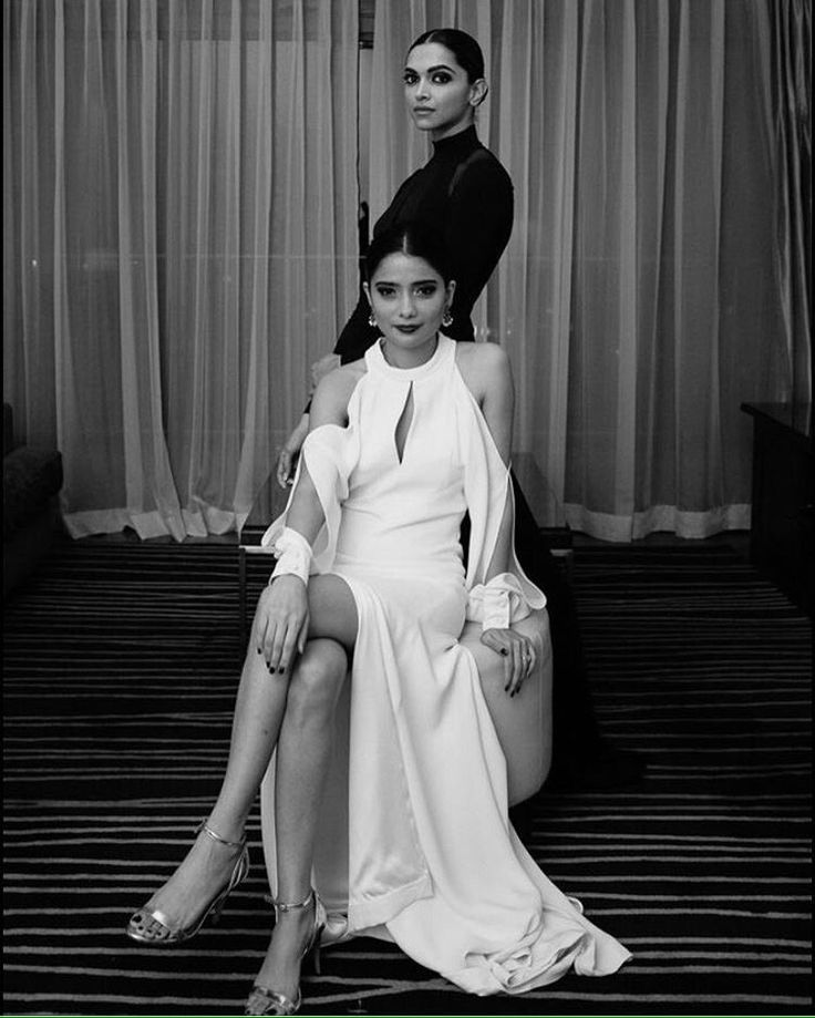 Bollywood's reigning queen Deepika Padukone is here to kill your Monday morning blues with her super stunning pictures.