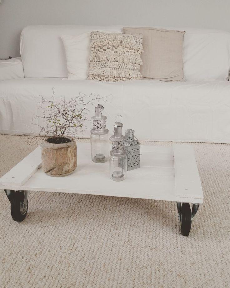 woonkamer - Woonkamer met zelfgemaakte salontafel.