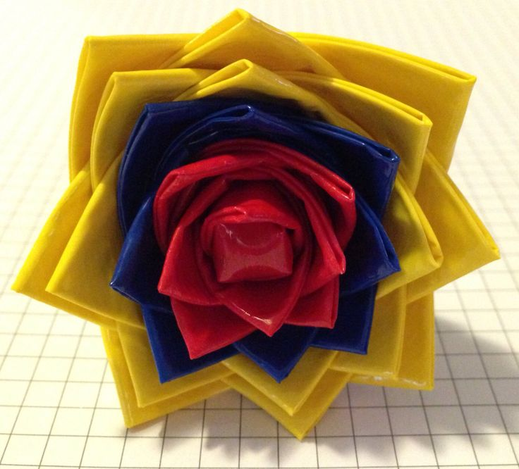 Colombian+flag+inspired+duct+tape+flower+pen.++by+CraftsByDrea,+$5.00