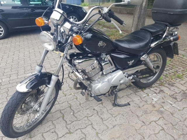 Sehr gepflegt TÜV keine Mängel 21500 Km Top Case Angemeldet kommen paar km dazu VHB  Motorrad,...,SYM Husky in Pforzheim - Pforzheim