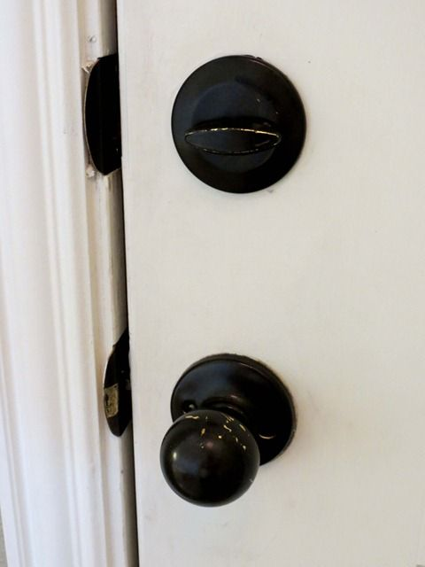 What works and what doesn't - Rustoleum oil rubbed bronze spray painted hardware
