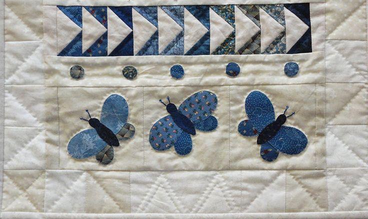 Een patchwork DIY om zelf creatieve patchwork randjes te maken met vlinders. www.loveallcrafts.nl