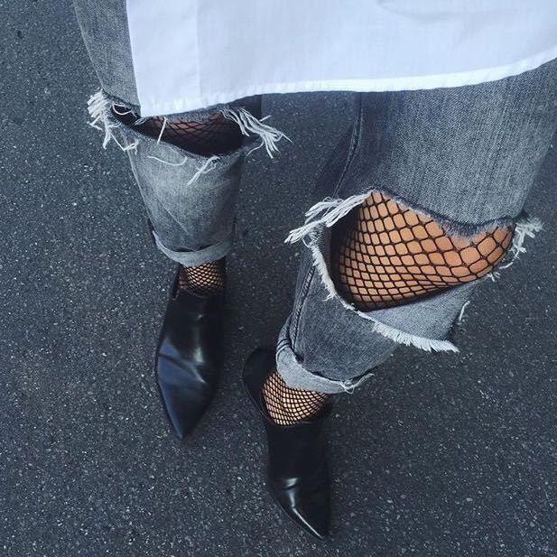 Netzstrumpfhose kombinieren, Bloggertrend Netzstrumpfhose, schwarze Netzstrumpfhose Outfit