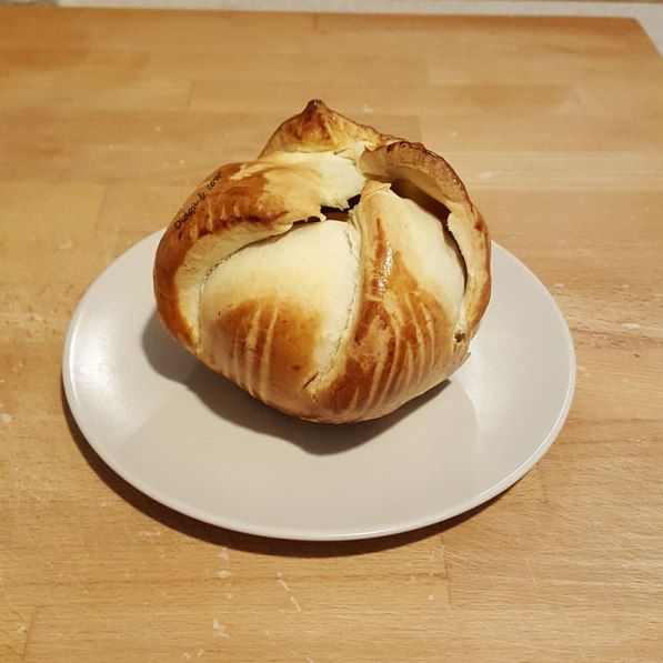 Pomme au four enrobée de pâte - bourdelot haut-normand