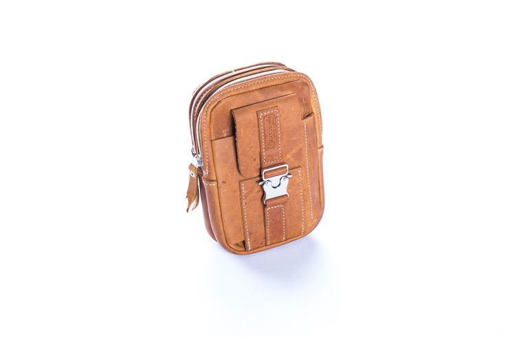 TRAVEL POUCH