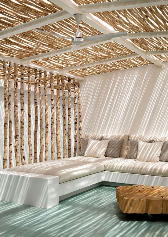 Straw pergola in Casa Tataui designed by Vera Iachia