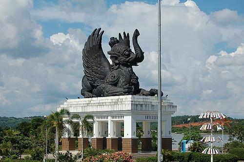 Patung Lembuswana di Pulau Kumala, Kalimantan Timur. #PINdonesia
