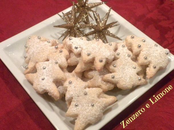 BISCOTTI alle MANDORLE, ricetta natalizia