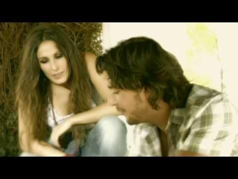 Music video by Manuel Carrasco, Malu performing Que Nadie. (C) 2009 Universal Music Spain, S.L. (Vale Music) España.