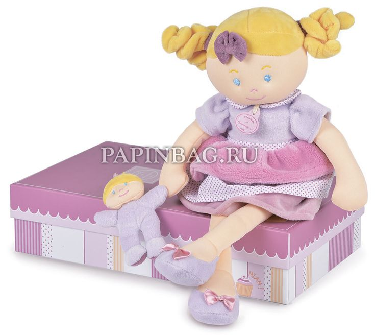 """DouDou (Франция) Кукла мягкая """"Miss Gourmet"""", 41 см, в подарочной коробке http://papinbag.ru/?m=5798 Удобна для игр, куклу удобно брать в кроватку, на прогулку, в поездку. Платье, трусики, парик, башмачки, маленькая куколка из хлопкового бархатного велюра и хлопчатобумажной ткани. Игрушка упакована в фирменную подарочную коробку. Чудесный подарок девочке на день рождения и просто по случаю! #кукламягкая #мягкиеигрушкифранции #французскаямягкаяигрушка #мягкиеигрушкиDouDou"""