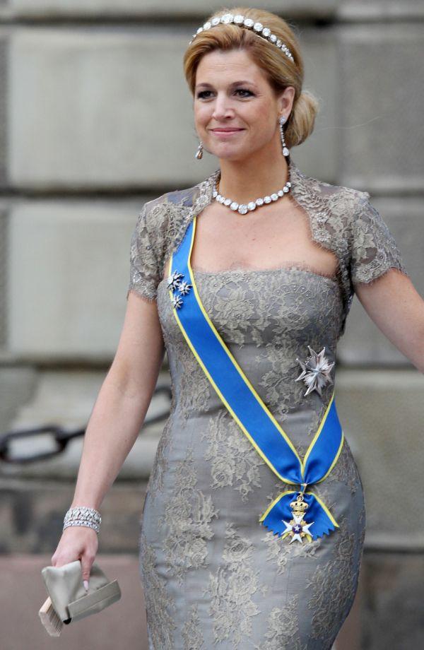 Eenmaal gedragen (avond)jurken: Máxima's kanten robe van Taminiau | ModekoninginMaxima.nl