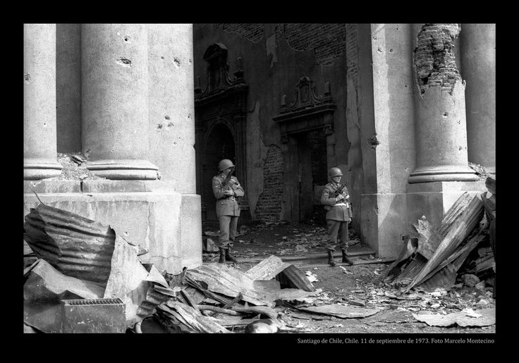 11 de Septiembre del 1973. La moneda en ruinas marca el comienzo de lo que serían unos dolorosos y largos 17 años de represión.