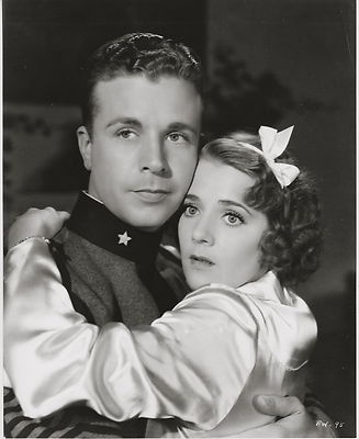 flirtation walk movie 1934 Watch flirtation walk online - a musical-romance with dick powell as a private stationed in hawaii who gets involved with ruby keeler, the general's engaged daughter.