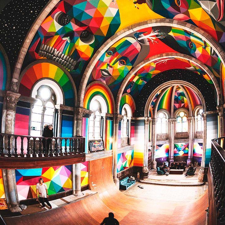 Street Art – Okuda décore une ancienne église transformée en skate park